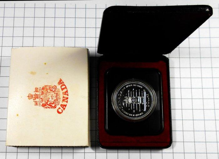 BA119 加拿大1952-1977年 登基加冕週年DOLLAR銀幣 盒裝 重約23.3g