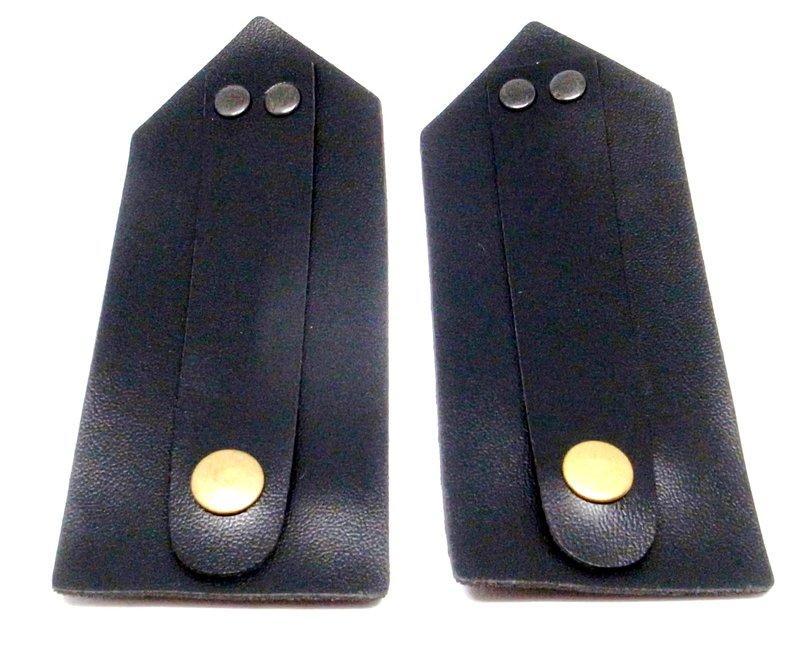 肩章黑色塑膠皮底板(有肩絆)1組(2片)_服裝配件_肩章配件_軍警用品_樂隊服
