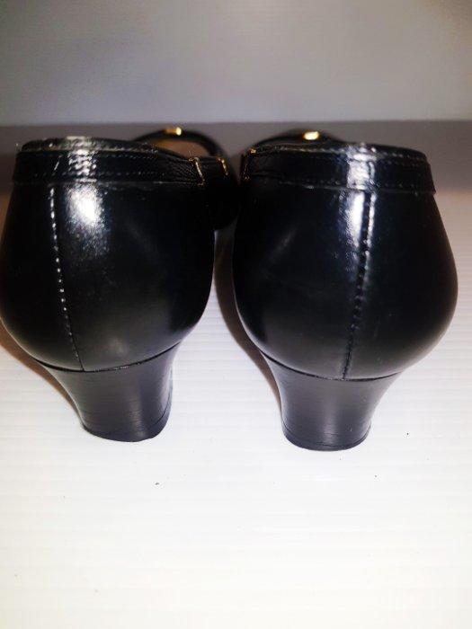 Salvatore Ferragamo黑色職業鞋 尖頭低跟鞋中跟鞋真皮粗跟鞋娃娃鞋皮鞋平底鞋 小腳尺寸(已售勿標)