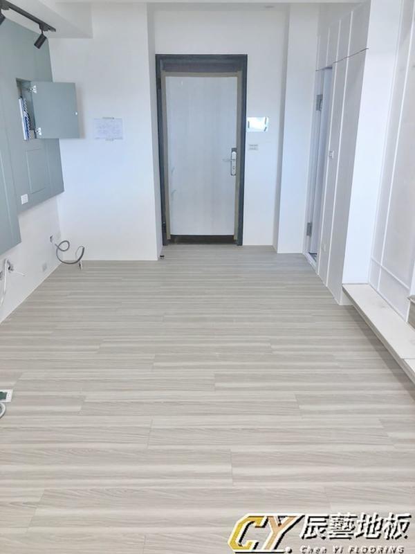 辰藝地板在案場實例~板橋大漢街(江翠PARK)7.8 吋超耐磨LV-90