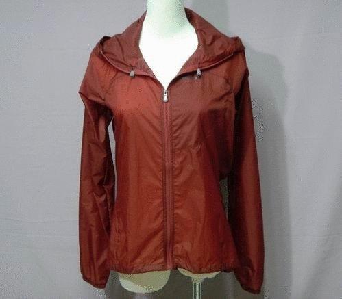 美國PATAGONIA超輕風衣*比一隻麻雀還輕*收藏體積超小攜帶超方便(紅)女用車衣外套風衣