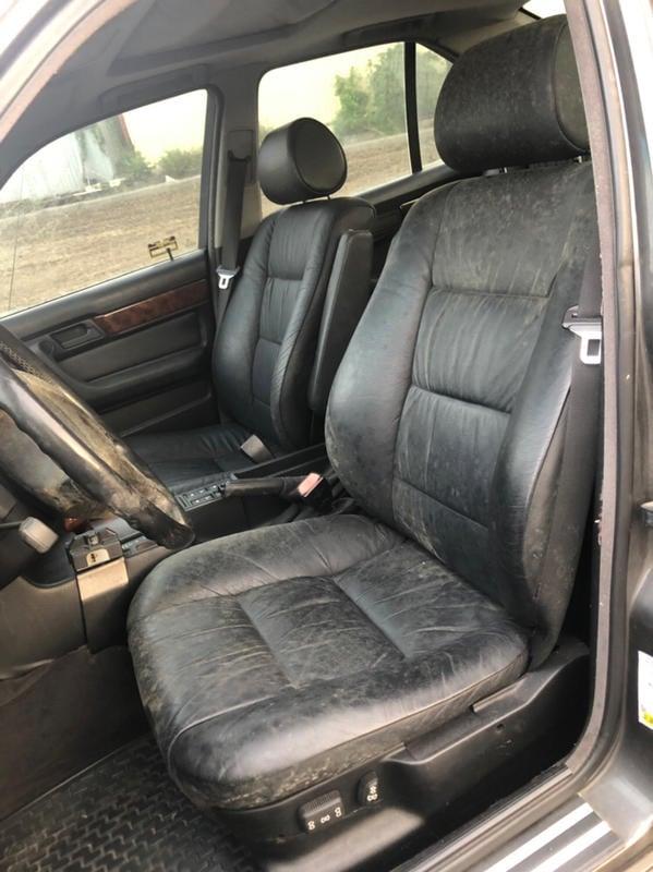 E34雙前電對椅左右兩邊價13000元.後座總成7000元