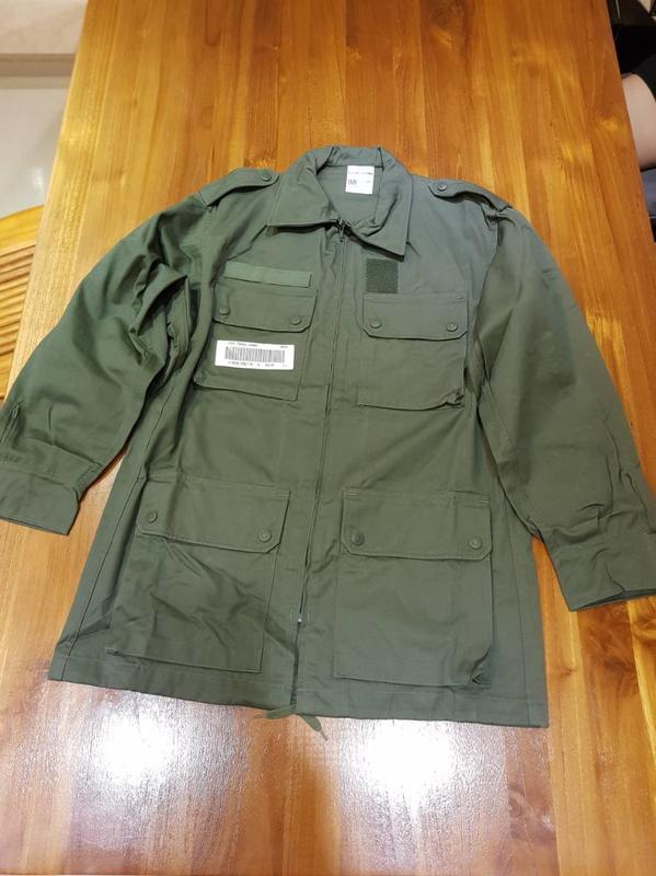 法軍野戰OD 野戰服 全新 (公發品)  肩寬47cm袖長56胸圍平量48 衣長70cm