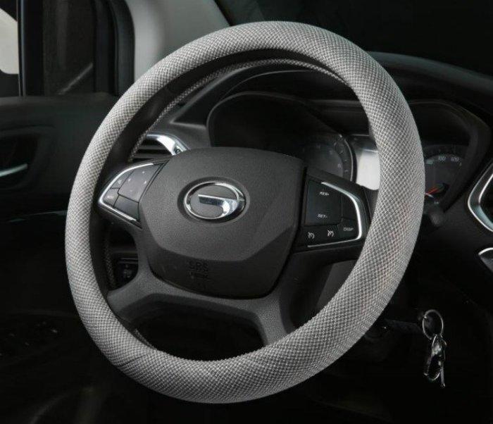 方向盤套-新品通用型汽車把套超手感透氣防滑吸汗亞麻布藝冬夏四季方向盤套_