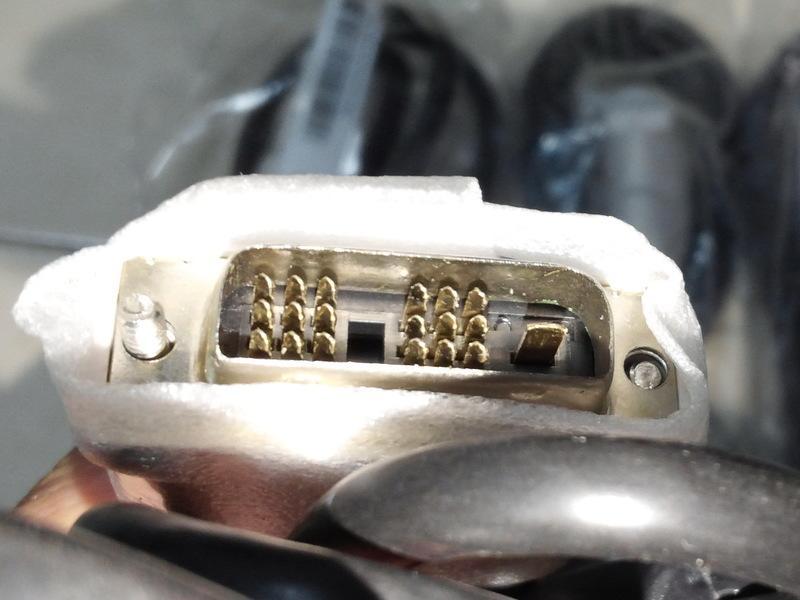 全新DVI線18+1PIN「DVI-D Single-link」,每條100元,1.5米.接頭兩端有磁環.保固3個月.