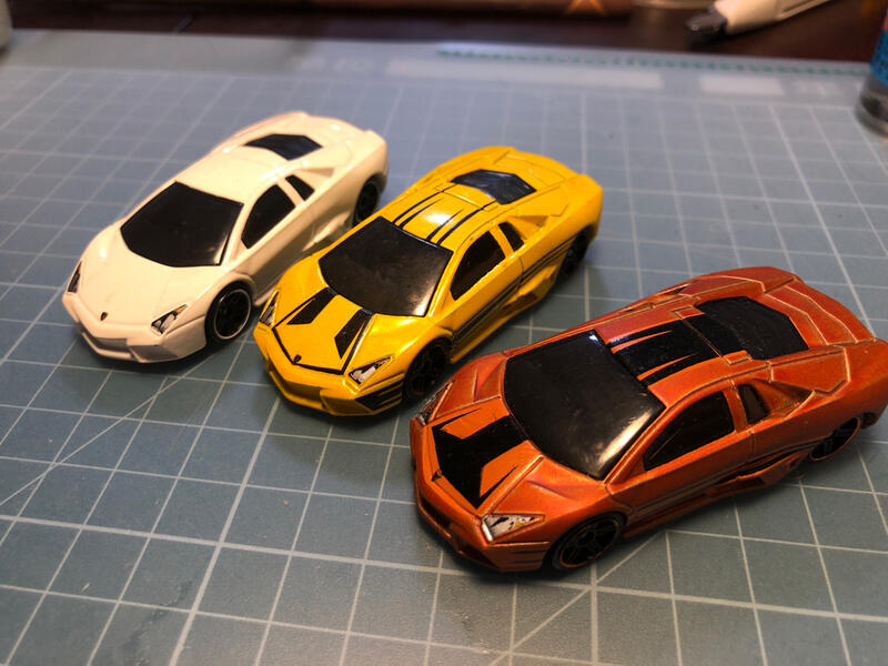 Hot wheels 2013 LAMBORGHINI Reventon 藍寶堅尼超級跑車