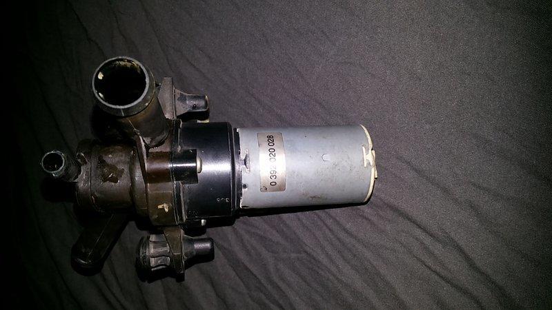 非一元直購  BENZ 賓士 W124 E220 熱水閥