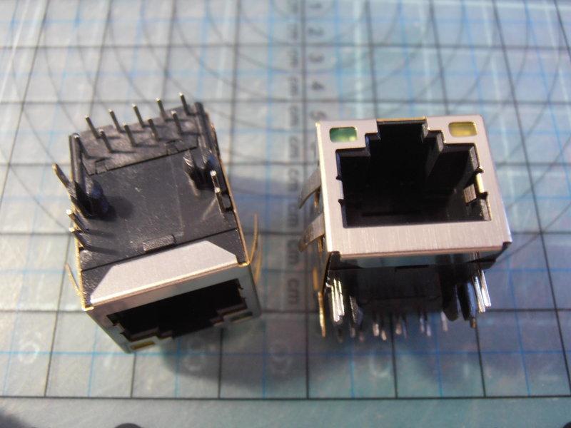 RJ45 JACK 90度 乙太網路插座帶網路變壓器8P8C 鐵殼,w/2LED 6彈片 DIP14 P=2.54