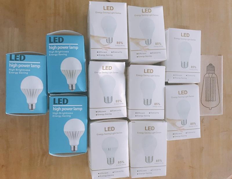 購自淘寶 220v LED 燈泡