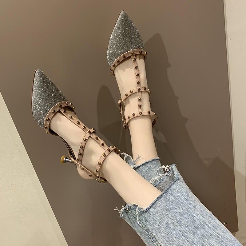 免運 網紅涼鞋女2020夏季新款百搭仙女風包頭性感鉚釘尖頭細跟高跟鞋潮 涼鞋 跟鞋 羅馬鞋