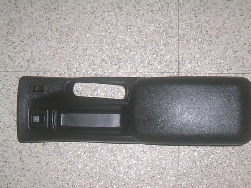 正 Evo 5 6 代中央扶手(含中冷器及霧燈開關)