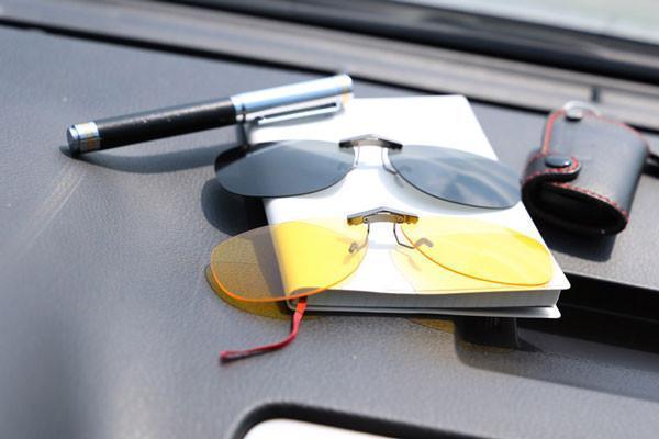 GEEK CLIP - 車用馳放偏光夾片_(日用灰色偏光+低光源用駕駛黃色夾片)_非市面雜牌_太陽眼鏡