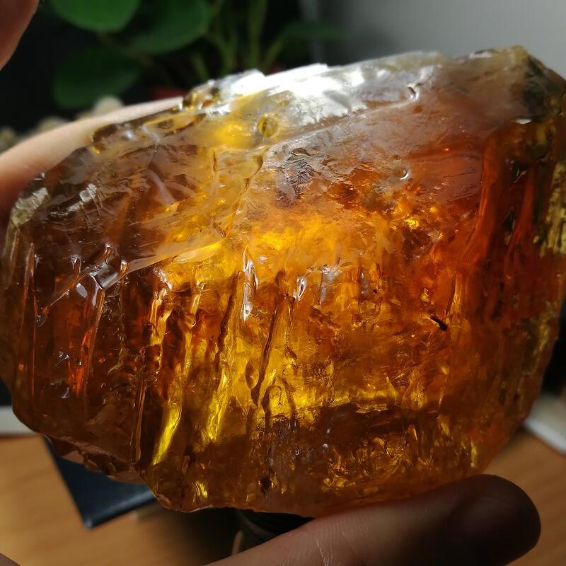 [友克鑫礦業]45約重356.8g琥珀色黃方解石Calcite蜜糖色霰石Aragoni原礦 晶簇 晶塊 晶柱 水晶柱 水