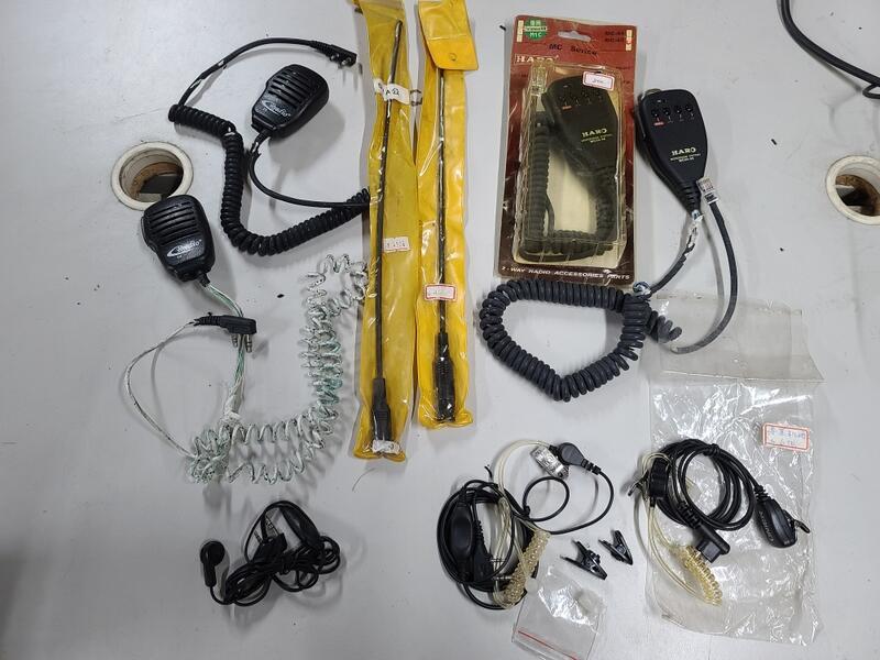 (Yong29) 無線電麥克風/天線 一批合售 /庫存放太久電線皮脆化