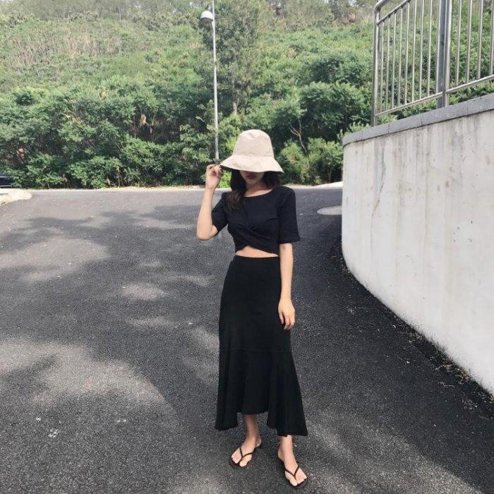 夏裝歐洲站短袖t恤女新款時尚短款露肚臍修身打底衫韓版上衣