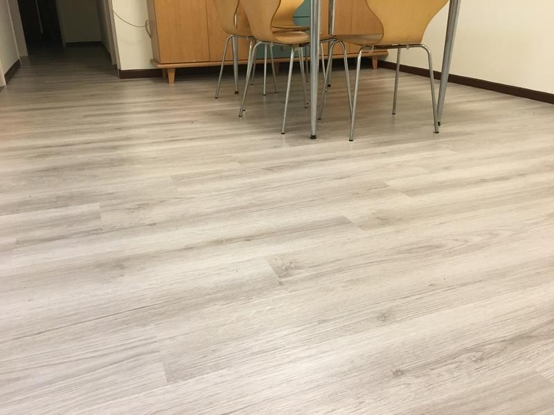 Captivating FLOOR WORKS品牌~新時尚系列~長條木紋塑膠地板每坪$1100元起~時尚塑膠地板賴桑