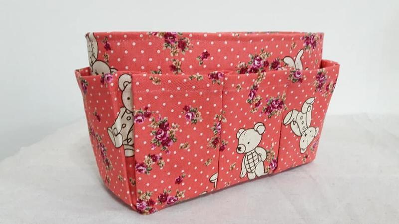 【小茉莉】小型M號袋中袋-基本款格層(尺寸22x8cm)→包包收納/分隔袋/袋中袋→橘玫瑰泰迪熊