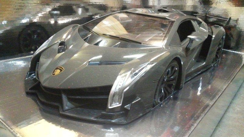 Ň�清價 1 10 Lamborghini Veneno Ư�藥 ȗ�寶堅尼 Ɂ�控車 Ɩ�向盤回饋遙控器 ɜ�天拍賣