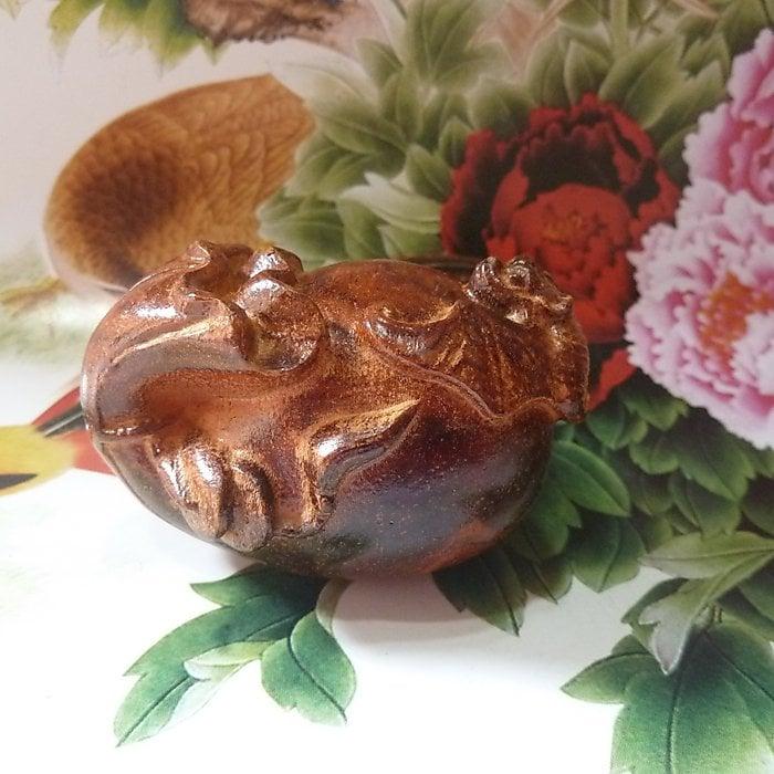 【木雕】趣味工藝品2寸深褐紅酸枝木雕小擺件手把件:錢袋蝙蝠【fuxi_161229_1018】【linyahuy】