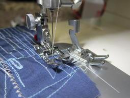 勝家裁縫機斜針型腳脛轉換成兄弟及一般現行裁縫機壓腳腳脛