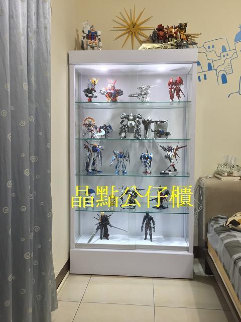 晶點專業製作**各式各樣**模型.公仔櫃,玻璃展示櫃(全台免組裝費,免運費)需配合我們的送貨時間