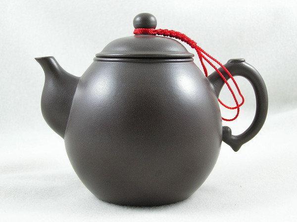 【兩隻老虎在賣(茶.壺)】精選茶壺~【幼壺 老人茶壺 陶土茶壺】~《黑色》~容量︰190cc 01