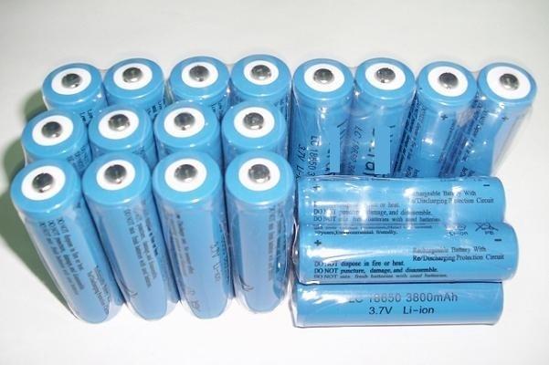 小潮批發【R102】凸點 凸頭 18650鋰電池 充電電池 手電筒電池 3600 MAH 3.7v Q3 Q5 R3 T