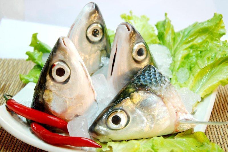 生鮮虱目魚頭(四顆入) 真空包裝