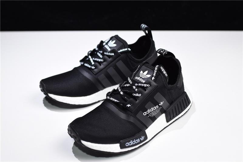 new style 4dbce 318e4 Adidas NMD Runner Pk Ultra Boost R1 Logo 黑白 休閒 運動 F99711
