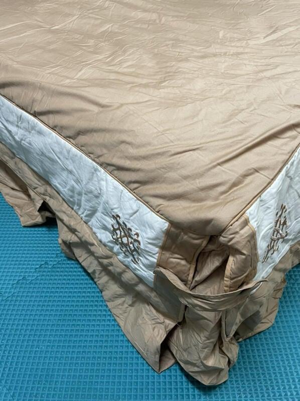 全新完全沒使用的Fason法頌購買刺繡精梳棉雙人5*6.2的鋪棉床罩一件與鋪棉刺繡枕套兩件