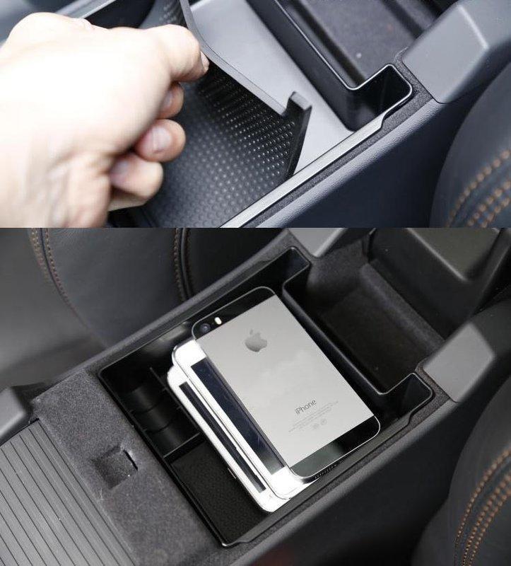 【頂級汽車精品】高品質 VOLVO V40 V60 S60 XC60  扶手 置物盒