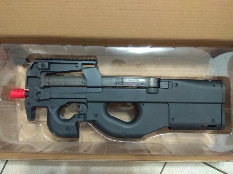 <<戰略工坊水彈槍>>兵鋒P90三代,全新上市,全新款式(黑/沙/粉紅)現貨供應,以上皆送2萬發STD標準彈