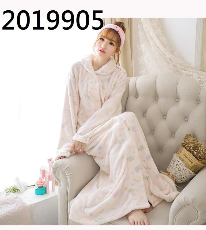 特價 學生超長到脚裸睡衣 少女前釦式開衫睡袍 秋冬女士保暖法蘭绒浴袍 袍長130公分