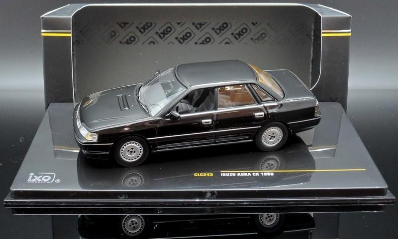1:43 Ixo Isuzu Aska CX 1990 black