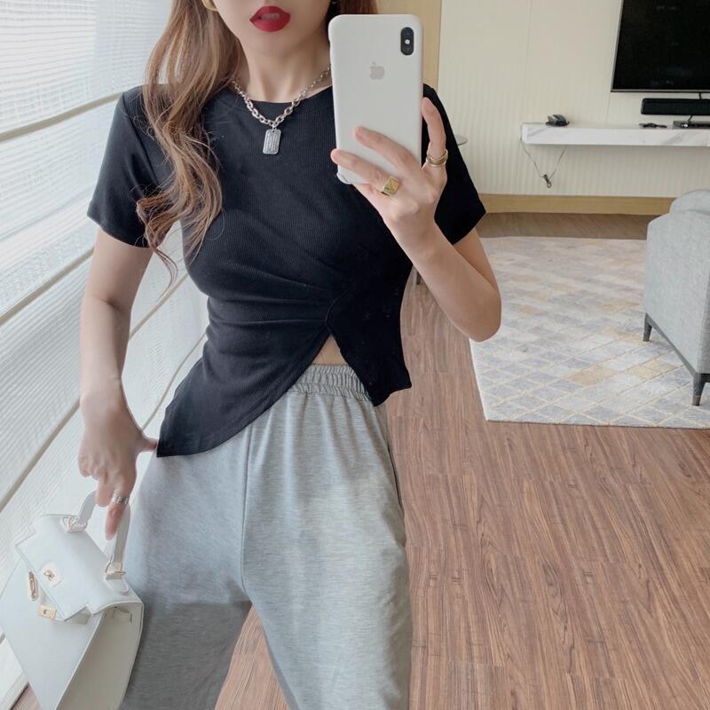 娜娜網紅爆款短袖t恤女2021年夏季新款小眾設計感側開叉修身顯瘦上衣