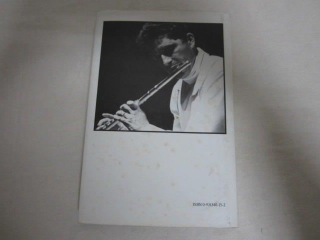 【土撥鼠的書房】 (英文書)The Flute Raymond Meylan 0931340152