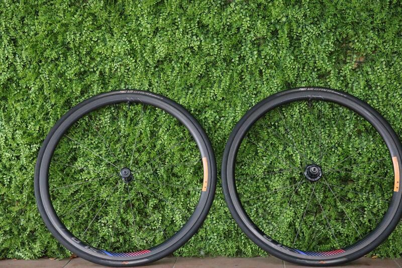 -中年大叔-售出GIANT SLR0 碳纖維一級 DT240花鼓 輪組zipp/bora/vision