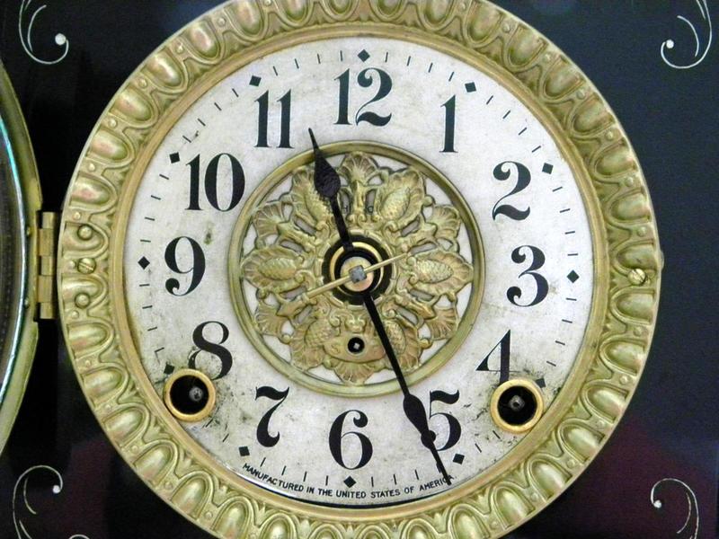 Seth Thomas 1800's Mantel Clock