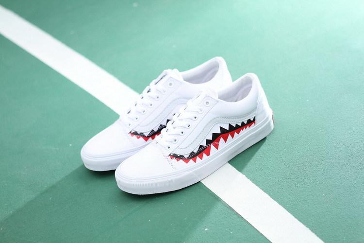 14b354cb9e8 Vans x BAPE 17SS SHARK MOUTHS 百搭帆布鞋休閒鞋情侶鞋白鯊魚- 露天拍賣