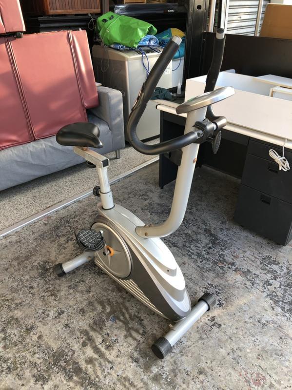 香榭二手家具*中古 健身車(按鍵故障)-室內腳踏車-踏步機-健身車-跑步機-訓練機-划步機-腳踏機-運動器材-台中二手貨