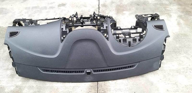 伊倫強 現代正廠 2013年ELANTRA氣囊一套$40000運費另計