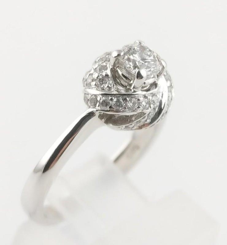 [二手正品]女鑽石戒指 主石0.30ct/附石约0.20ct 14K白金 國際戒圍9.8號