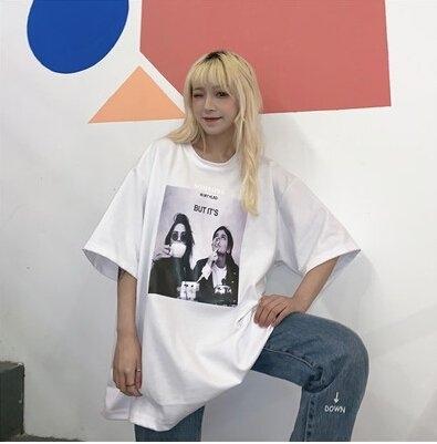 短袖T恤M-2XL中長款30026新款夏季時尚寬松人物印花短袖港味半袖中長款T恤上衣-開心購