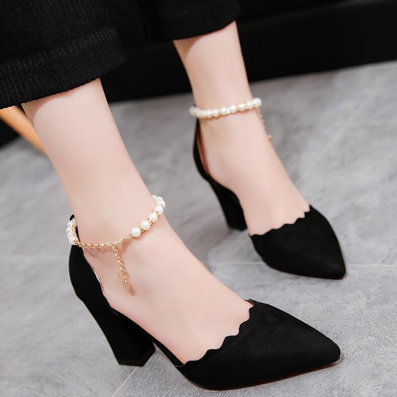 中空甜美珍珠鏈一字扣帶包頭單鞋2020春夏季女尖頭淺口中粗高跟鞋