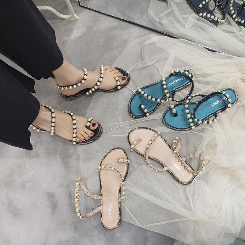 平底露指涼鞋女2020春季新款韓版夾腳趾珍珠羅馬涼鞋度假沙灘鞋子