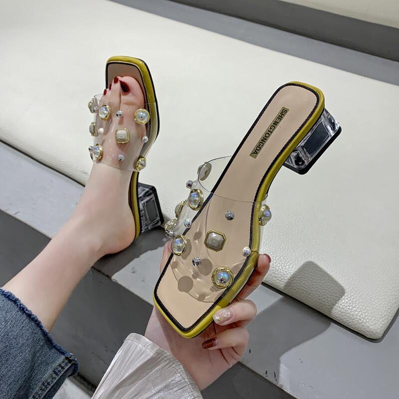 時尚方頭露趾珍珠一字拖女2020年夏季新款韓版百搭水晶粗跟涼拖鞋