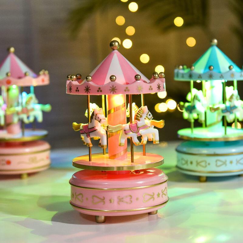 精品旋轉木馬音樂盒蛋糕裝飾少女心帶燈光八音盒兒童生日烘焙裝飾擺件